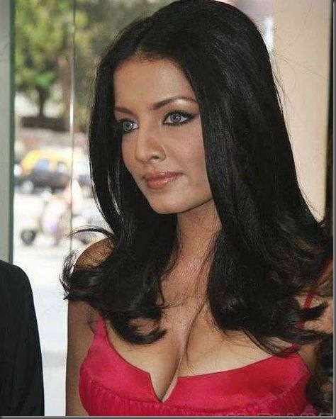 Celina Jaitley  hot pictures250510