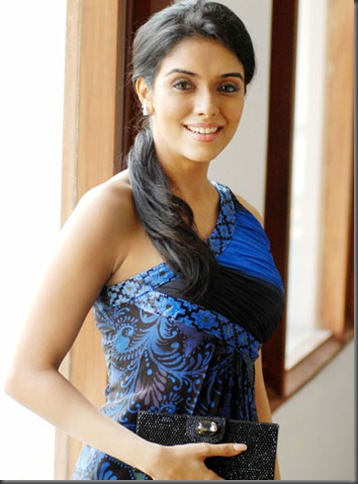01asin sexy bollywood actress pictures 210709