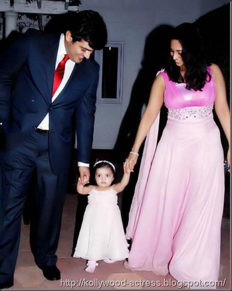 ajith-shalini-daughter-baby-anoushka-first-birthday-celebration-stills-5