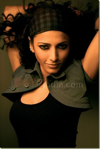 05 Shruti Haasan's FHM Magazine Scans