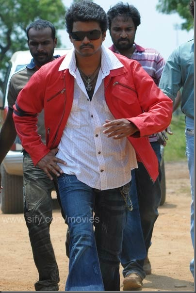 5 Vijay's latest vettaikaran stills