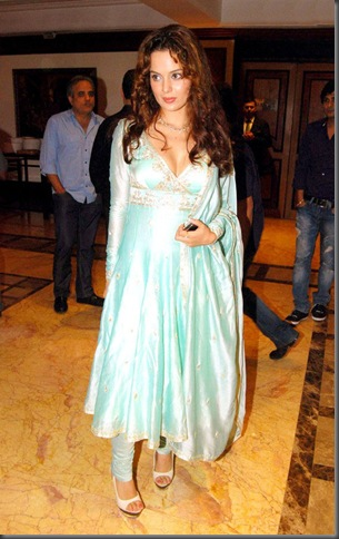 3Kangana Ranaut-'Knockout' Iftar party
