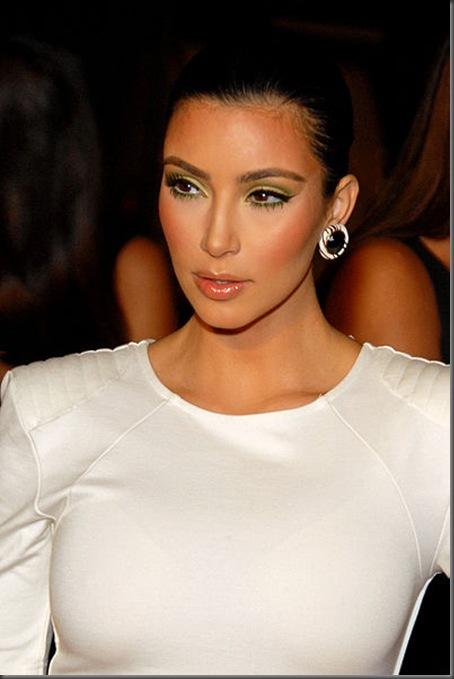 Kim Kardashian sexy pictures1
