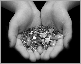 hands,stars-833ced164b8f8bde24bf3f91aac79a6c_h