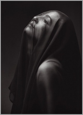 Woman_with_veil_by_MarcioMartins