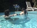 高中妹下課後跟男友到游泳池