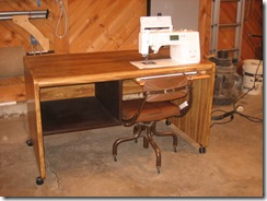 sewing table patty 023