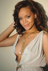 Hollywood very sexy model rihanna in bikini pics