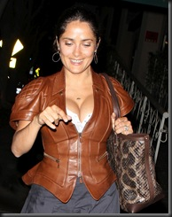 salma-hayek-cleavage-in-hollywood-4