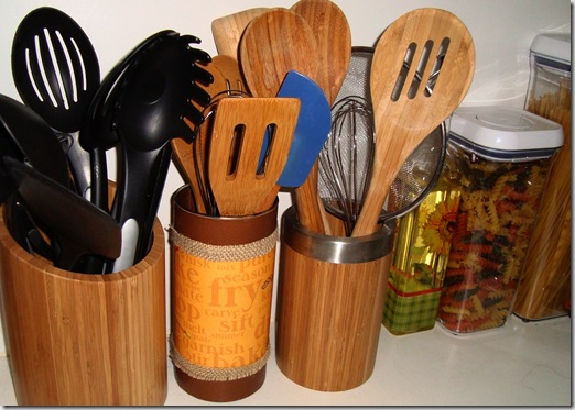 kitchenutensilholder3