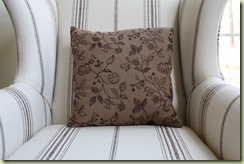 Pillows 046