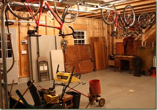 garage clean up yard sale 063
