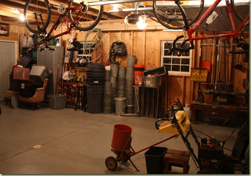 garage clean up yard sale 064