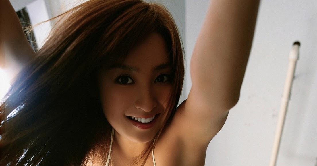 Aya Kiguchi Sexy Photo Gallery