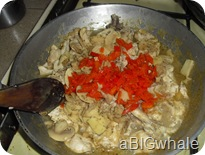 Add chicken, mushrooms, bell peper. Season with Salt. After pour cream and simmer for 5 mins