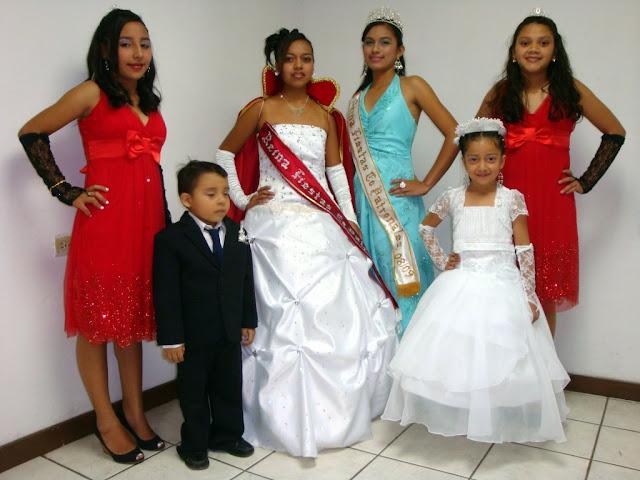 Corte de honor de la reina de las fiestas en Honor a San Juan Apóstol