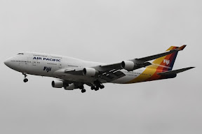 Boeing 747-400 Air Pacific