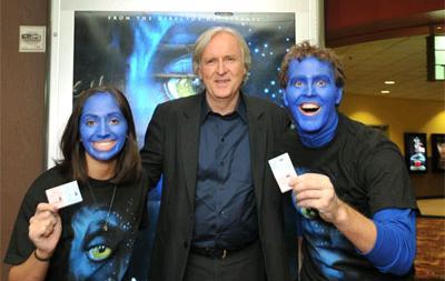 James Cameron osaczony przez fanów Avatara