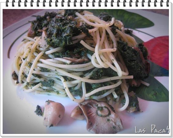 Espaguetis con espinacas y setas (2)