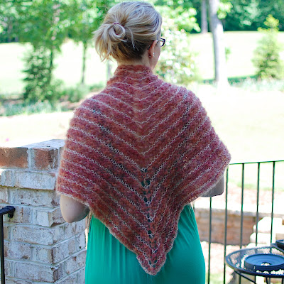 Big Crafty » Blog Archive » 55 Free Shawl Patterns to Knit