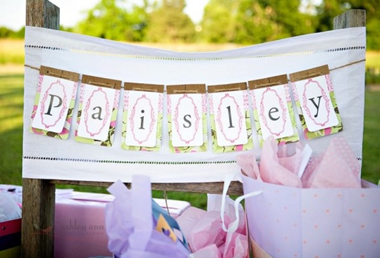 diy-bunting-baby-shower-ideas-580x386