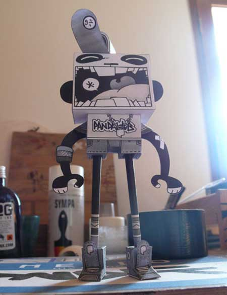 Rodrigo del Papel Paper Toy Pandacrew