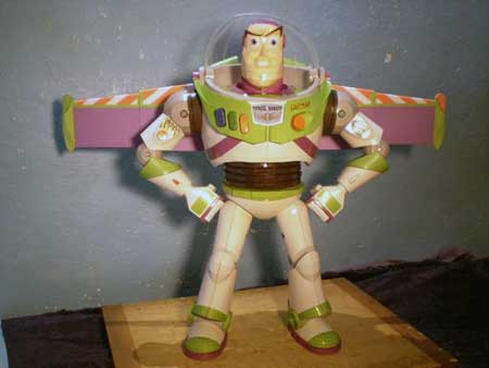 Toy Story Buzz Lightyear Papercraft 3
