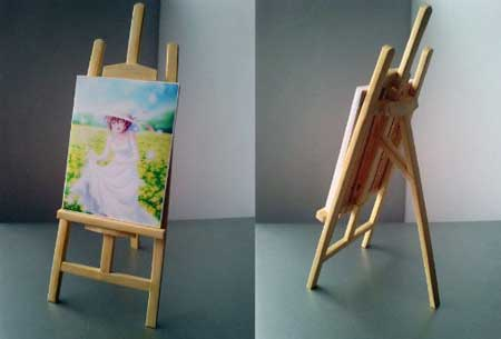 Easel and Painting Papercraft