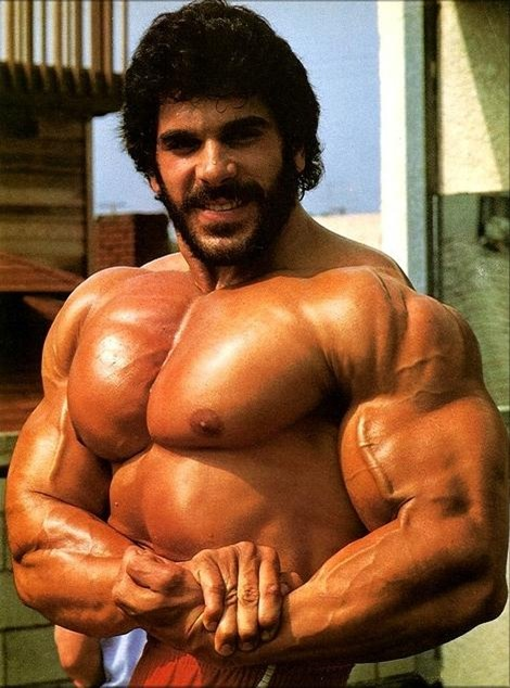 lou ferrigno side chest