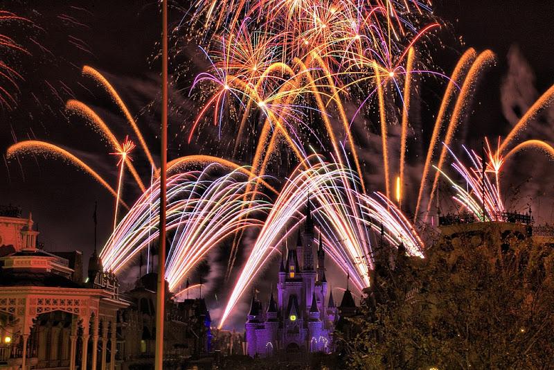 [ประกาศผล] กิจกรรมครั้งที่ 1 By.Giroro  Amazing_Fireworks_22
