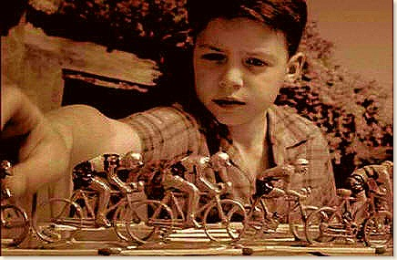 boy-w-toy-bikes