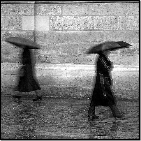 Dancing in the rain - Paris