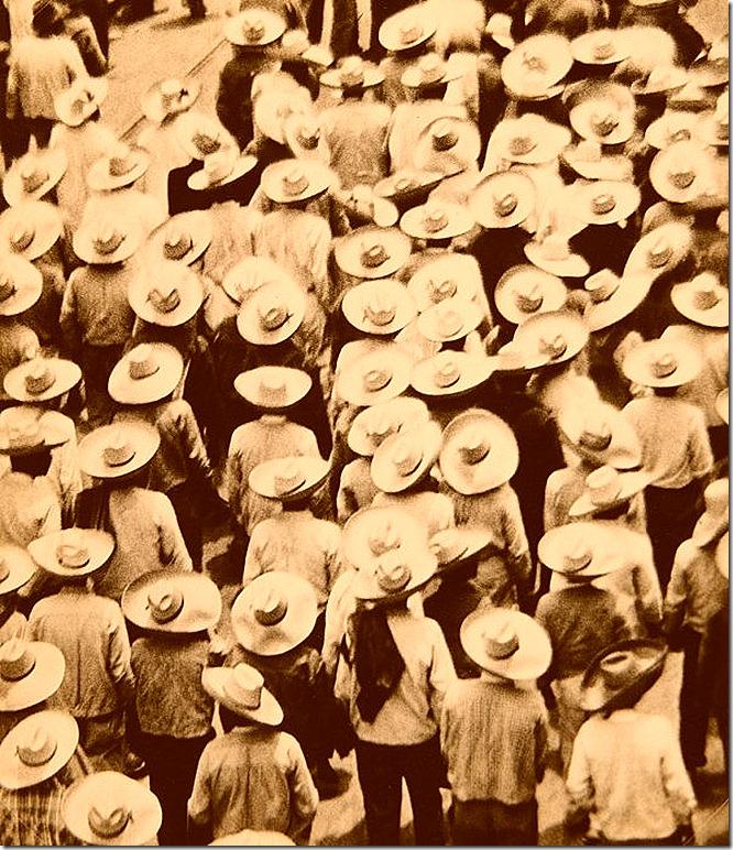© Tina Modotti, Workers Parade, 1926
