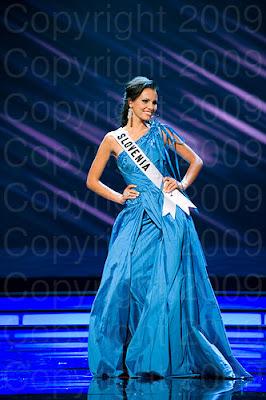eslovenia1 Miss Universo 2009: Inspirações para vestidos de madrinha e noiva