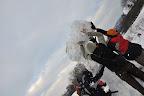 Dát hlavu na nejvyššího sněhuláka byla fuška. Hlava byla však příliš těžká, tak sněhulák po chvíli spadl.