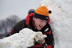 kryjící se se sněhovám samopalem