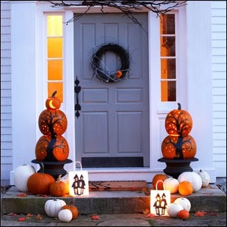 halloween-door-decor- good housekeeping