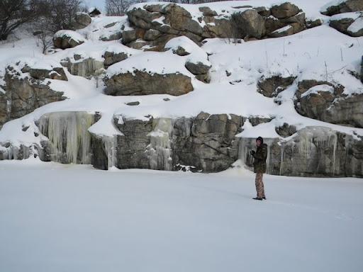 Зимова річка в смт Буки