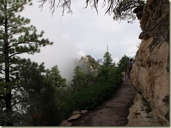 04 Bright Angel Point trail & point shrouded in clouds NR GRCA NP AZ (1024x761)