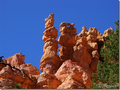 16 Hoodoos above Navajo Loop trail Bryce Canyon NP UT (1024x768)