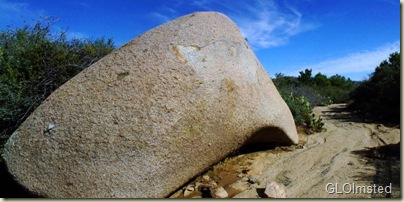 16 Eroded granite along dry wash Weaver Mts Yarnell AZ (800x396)