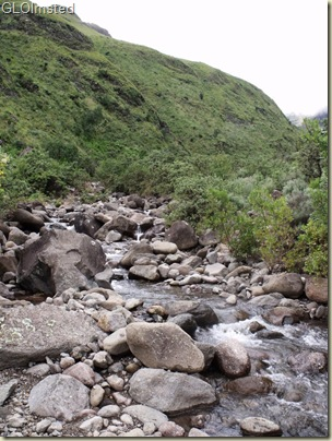 06 Creek crossing Drakensburg hike KwaZulu-Natal ZA (768x1024)