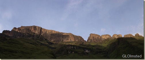 03 Morning light above Keith Bush camp Drakensburg hike KwaZulu-Natal ZA pano (1024x428)