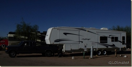 04 Mike hooking up to new RV at KOA Apache Junction AZ (1024x519)