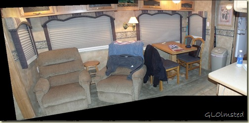06 Living room & table pano (1024x504)
