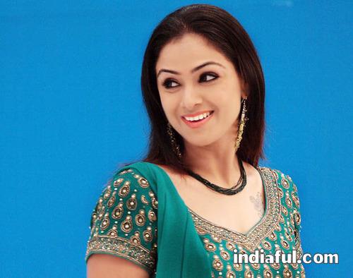 http://lh4.ggpht.com/_561gP6TDhvA/S27MZOhpd0I/AAAAAAAAknQ/4y8iyXRJhzI/actress.simran.simran-cute-photos-005.jpg