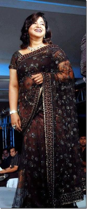 Radhika-Black-sari-CIFW-2010