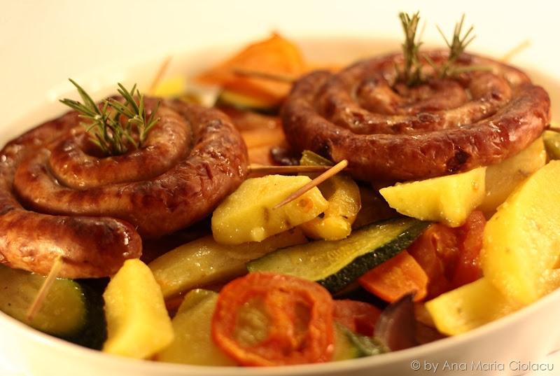 carnati pe grill cu legume 1