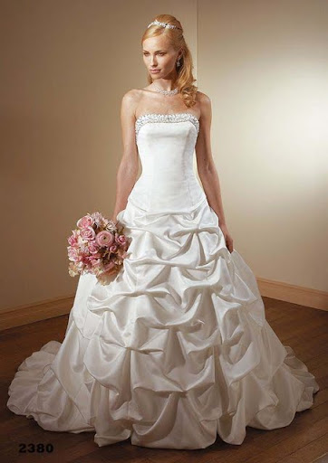 Romantic Ivory Bridal Gown Wedding Dress