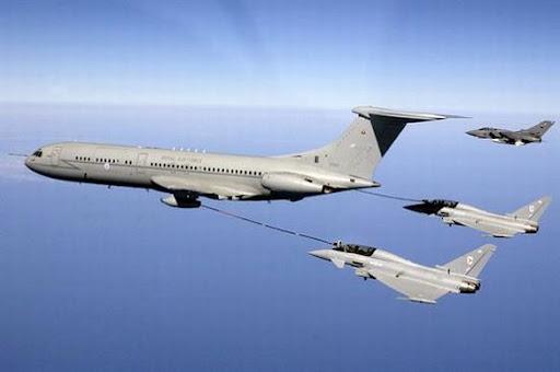 RAF en Malvinas VC10_refuels_Typhoons